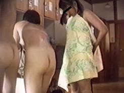 盗撮された脱衣所の女達8