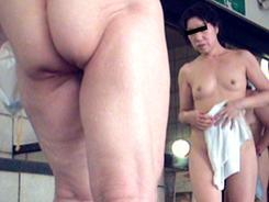 人妻熟女のエロ素肌02