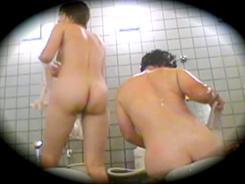 素人娘の密着洗い場05