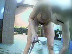 熟女の洗い場覗いちゃいます02