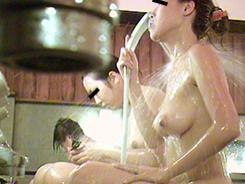禁断!乙女の洗い場12