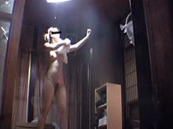 脱衣所では大胆になる女達13
