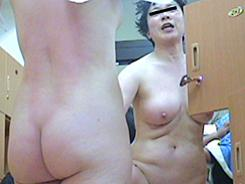 若い子に負けない熟女の裸体02