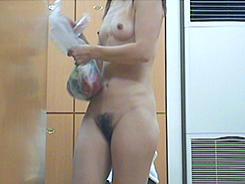 若い子に負けない熟女の裸体04