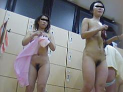 若い子に負けない熟女の裸体07