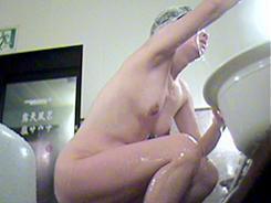 すっぴん熟女の裸体覗き10