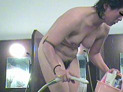 すっぴん熟女の裸体覗き14